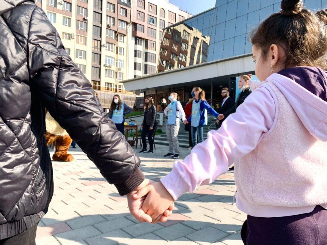 Акция «Веселые каникулы» прошла сегодня в Нальчике для детей с ограниченными возможностями здоровья